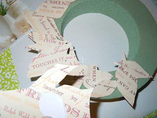 Easy to create paper leaves wreath projects pattern