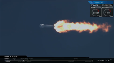 Falcon 9 passing through Max-Q