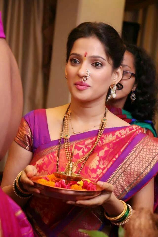 Telugu Web World Beautiful Marathi Actress Priya Bapat
