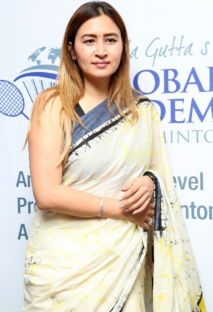 Badminton Player Jwala Gutta Hot Stills In White Saree