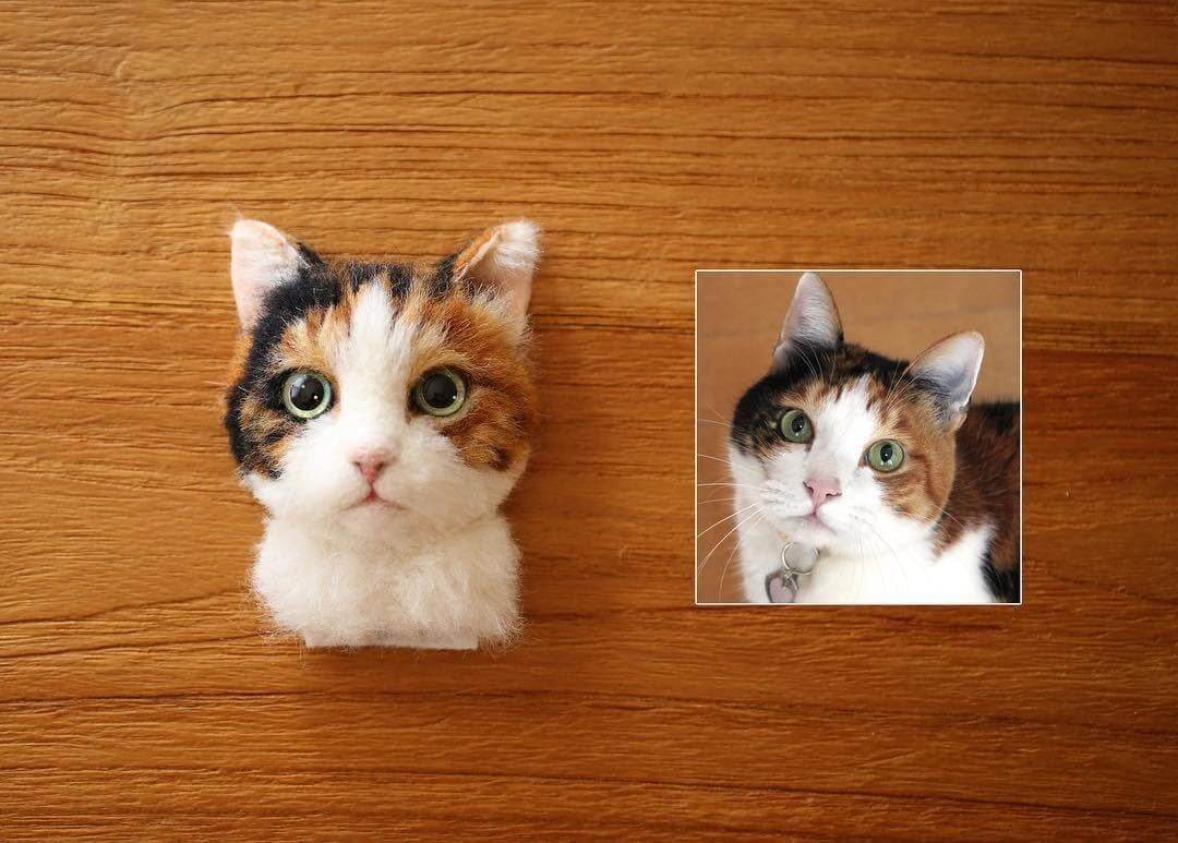 04-Wakuneco-Wool-Needle-Felt-Cat-Portraits-and-Video-Demonstration-www-designstack-co