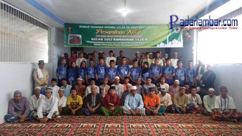 53 Warga Binaan Rutan Krui Ikuti Pesantren Kilat