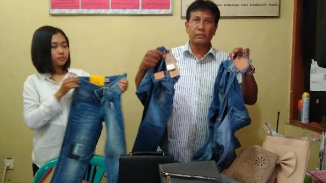 Seorang SPG Ajak Temannya Curi Pakaian di Mal
