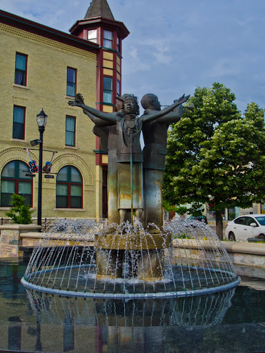 Paramount Plaza in Grafton WI