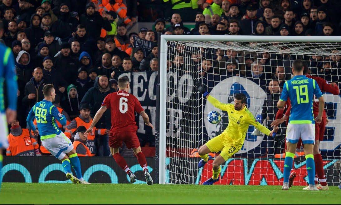 Liverpool-Napoli Risultato 1-0: Salah elimina Ancelotti, azzurri in Europa League, tabellino e vignetta divertente.
