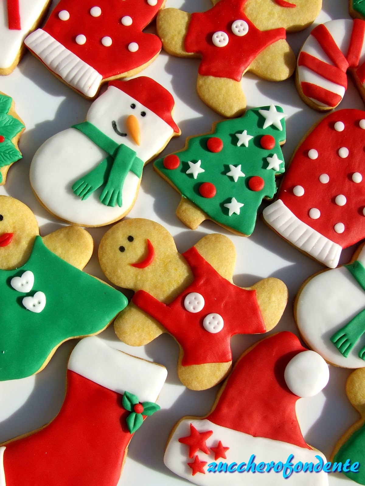 Biscotti Natale Pasta Di Zucchero.Zuccherofondente Biscotti In Pasta Di Zucchero Ed E