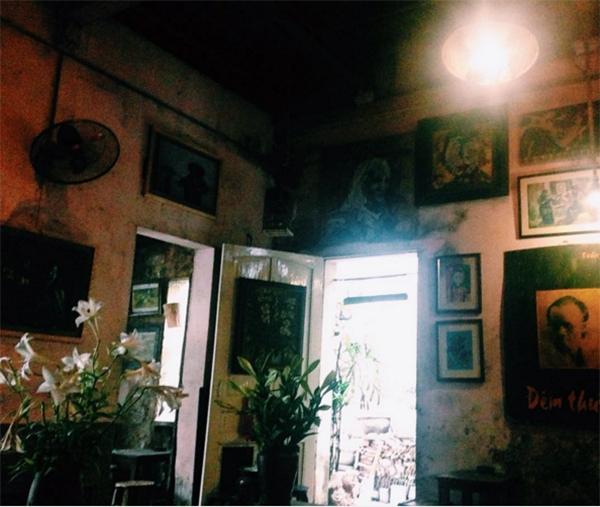 cuoi-ngo-cafe-hanoi-vietnam-2