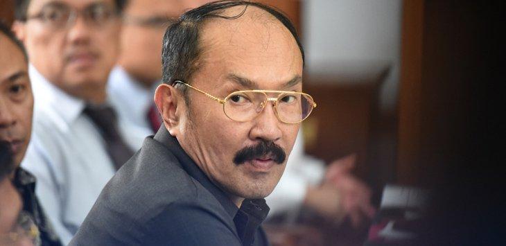 NASIONAL Gaya Hidup Mewah Pengacara Setya Novanto, Sekali ke Luar Negeri Habiskan Rp. 5 Miliar