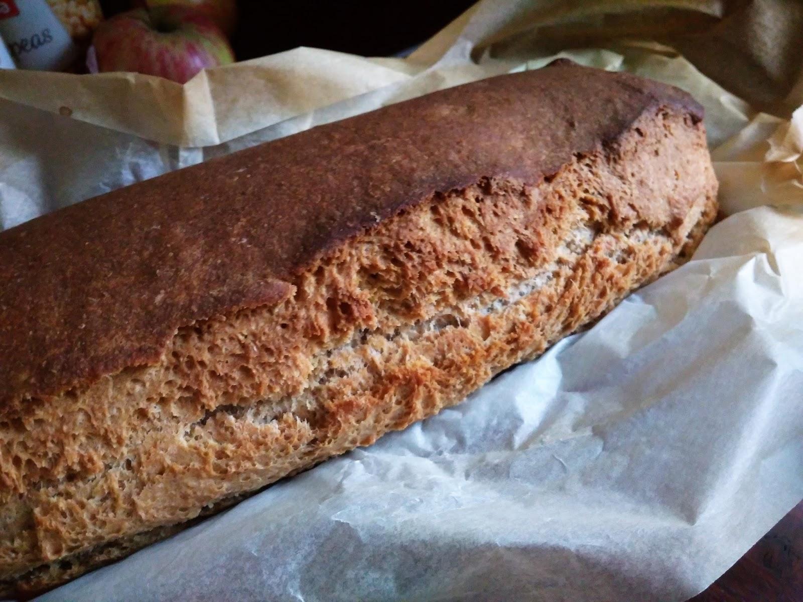 Chleb orkiszowy na zakwasie żytnim