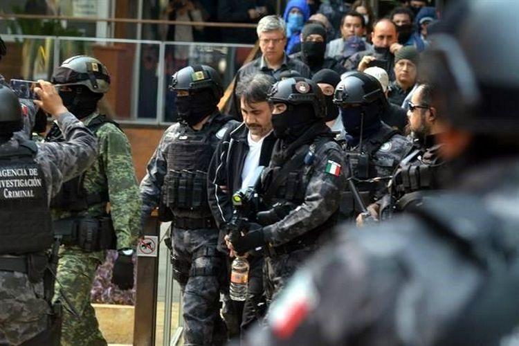 """BUSCA E.U """"TUMBARLE AL LICENCIADO"""" 280 MILLONES DE DOLARES,LLAMADAS LO DELATARON"""