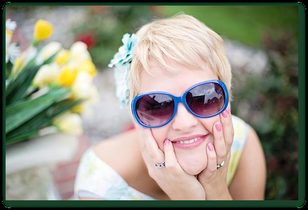 Informatii despre riscurile la care te expui daca nu porti ochelari de soare atunci cand lumina solara este puternica