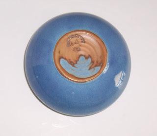 blue-dish pottery-2-bottom mark-920 x 799-jpg.JPG