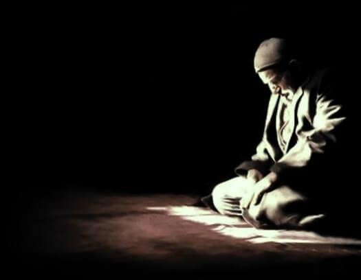 Bacalah Dzikir Ini Jika Terbangun Tengah Malam.. Insya Allah Doa Apapun Akan Dikabulkan.. Amin.. Untuk Sahabat Muslim Tolong Sebarkan..