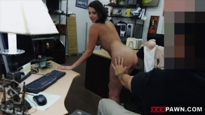Customers Wife Wants The D – XXX Pawn