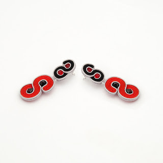 red-black-earrings-stud