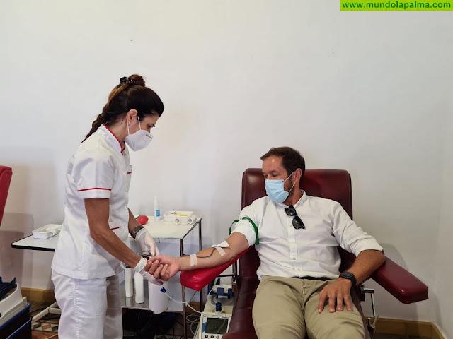Mariano H. Zapata ha acudido hoy a donar sangre al punto de donación temporal del ICHH en Los Llanos de Aridane