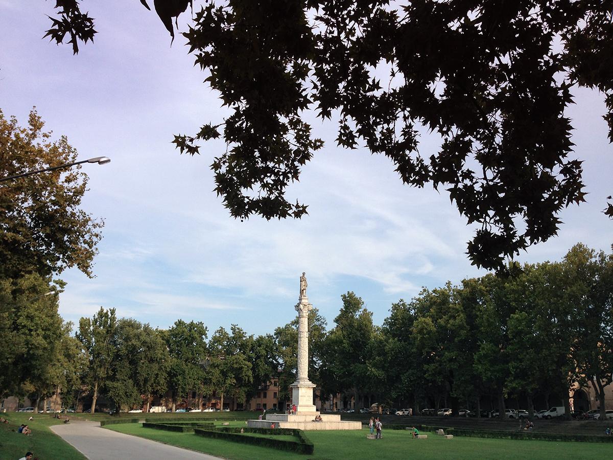 piazza ariostea ferrara