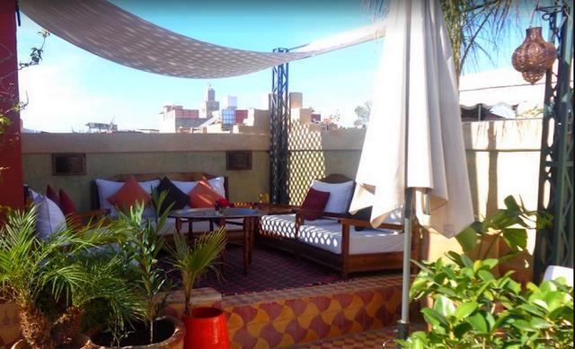 Té en la terraza Riad, L'Heure d'Eté en la Medina de Marrakech