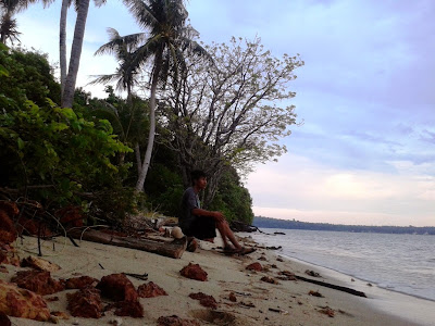 Narsis dulu dipantai Ujung Tong atau pantai Lomban Kemujan, Karimunjawa