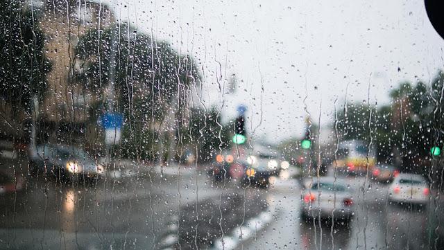 Αλλάζει και πάλι ο καιρός με βροχές και καταιγίδες μέχρι και το Σάββατο (βίντεο)