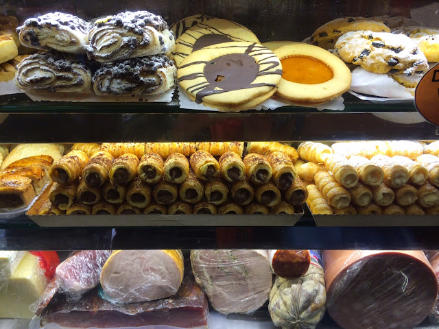 Venetian-pastries-and-cookies
