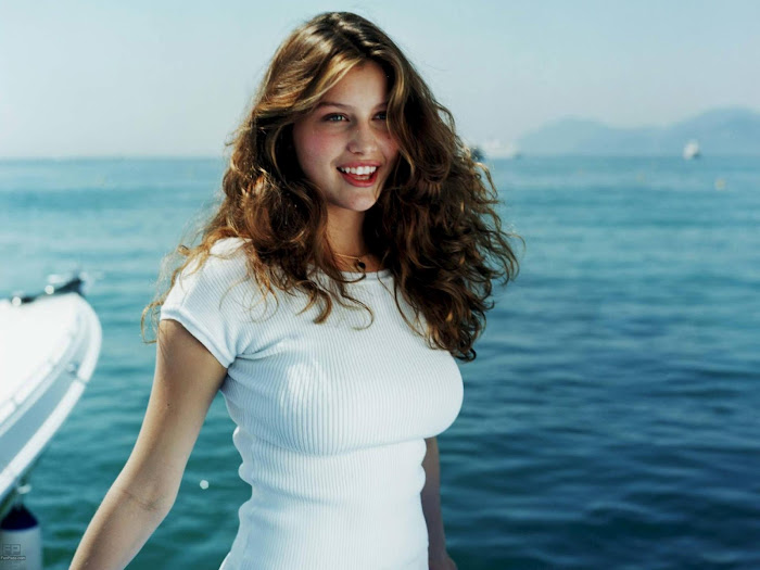 Laetitia Casta Hot HD Wallpaper