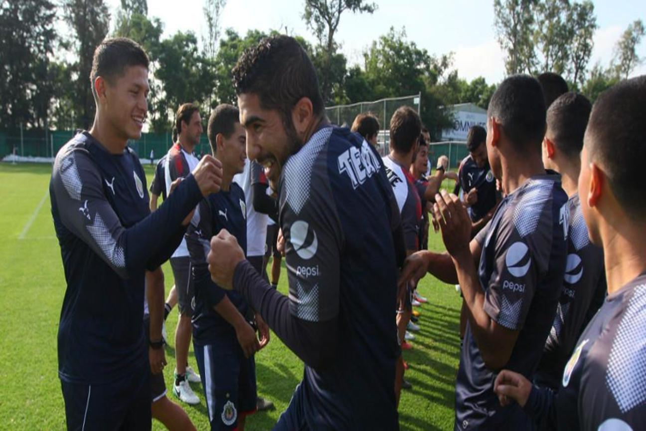 Chivas se prepara para su cotejo ante Cruz Azul de la fecha dos.