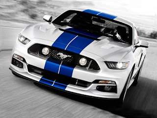 Mobil Ford Mustang