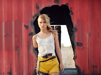 The Bad Batch Suki Waterhouse Image 1 (5)