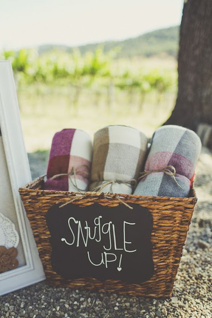 fall outdoor wedding blankets