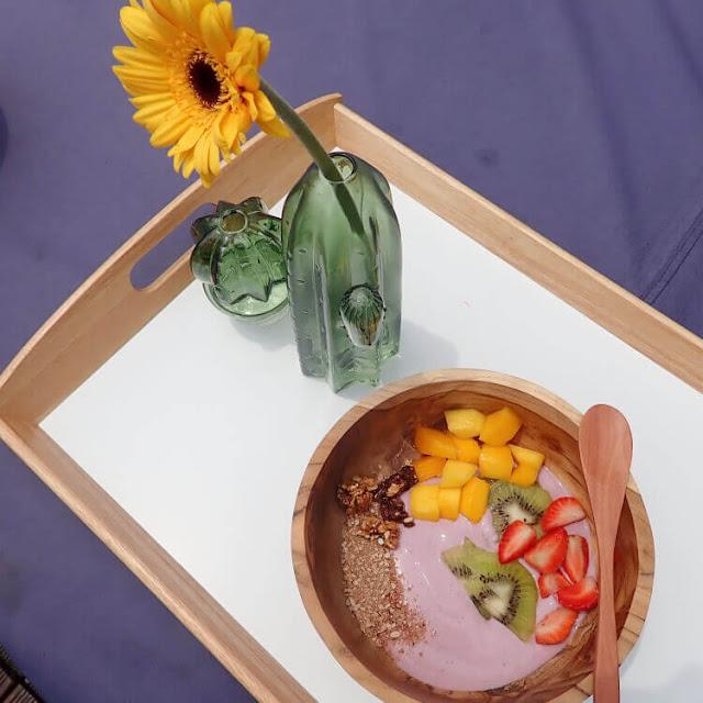 nestum, salad buah, yogurt, sarapan
