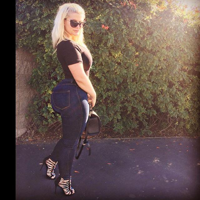 Julie Cash Hot Instagram photos (NSFW) - BootymotionTV