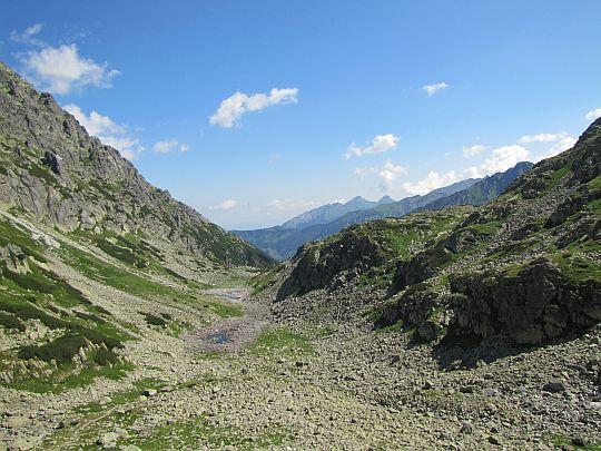 Dolina za Mnichem z podejścia do Wrót Chałubińskiego.