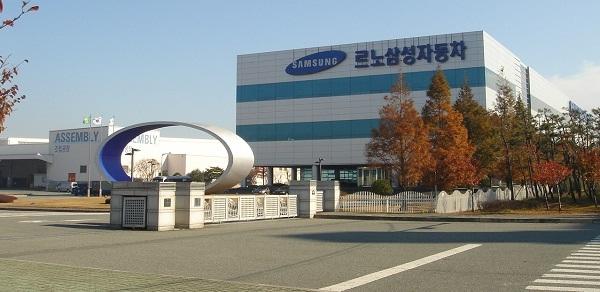 सैमसंग इलेक्ट्रोनिक्स के सीईओ ने दिया इस्तीफा, करप्शन केस में फंसे सैमसंग के मालिक ली जे योंग