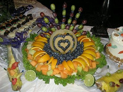 1000 images about mesa de frutas on pinterest for Decoracion de frutas para fiestas infantiles