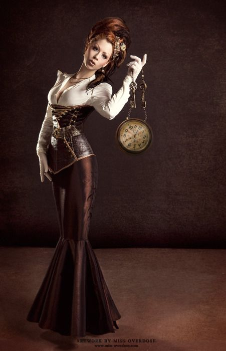 Steampunk mermaid dress and fishtail dresses come from victorian era fashion.
