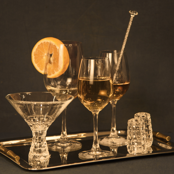 dd4960db0ae Set Up an Elegant Home Bar with Premium Glassware and Bar ...