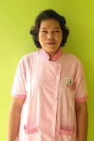 een perawat lansia orang jompo