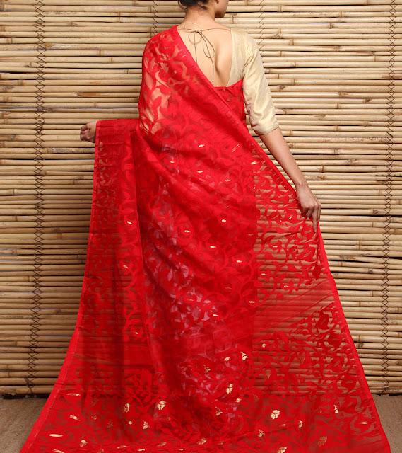 Bengali Bride in Dhakai Jamdani Saree