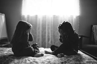 Resultado de imagen de hermanas foto blanco y negro