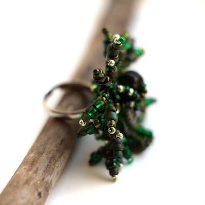 купить безразмерное кольцо украшение под зеленое платье