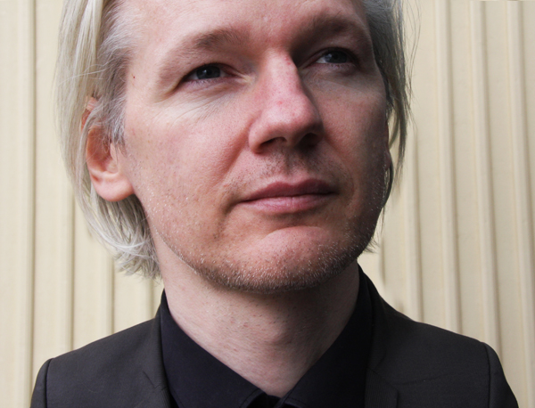 En imágenes: mundo cabezón - Julian Assange | Ximinia