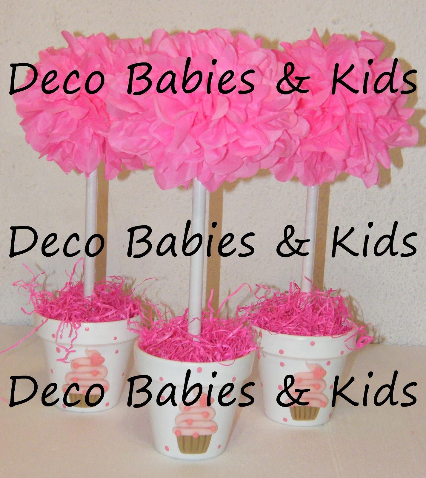 Deco babies kids arbolito con pompones de papel y cupcakes - Pompones con papel de seda ...