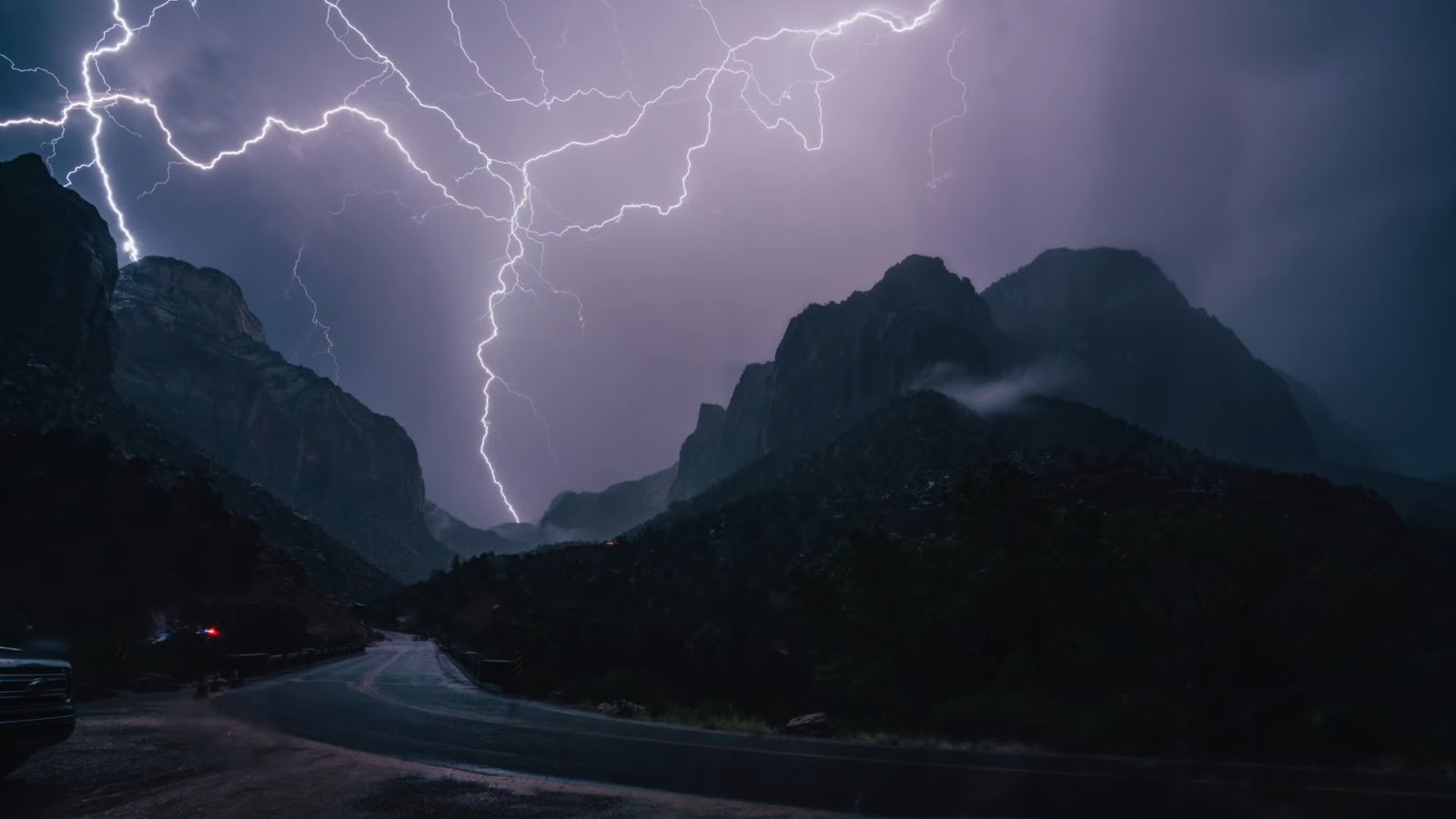 TAKE STRIKING LIGHTNING Photos Now! - 5 Secrets to take photos of the lightning