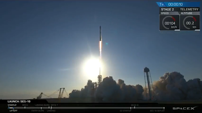 SpaceX clearing the tower