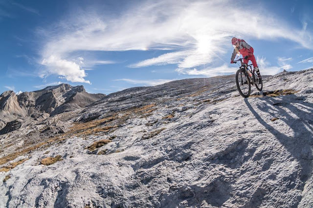 Mountainbike Downhill Girl CIma Josef