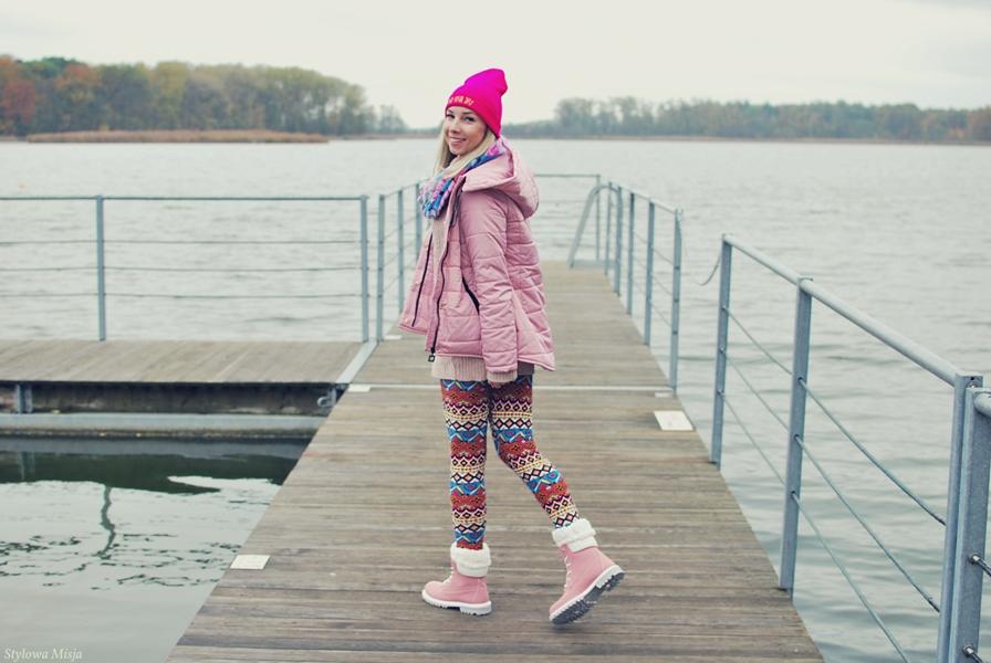 beanie, Butik, jezioro, kurtka, leginsy, moda, sweter, traperki,