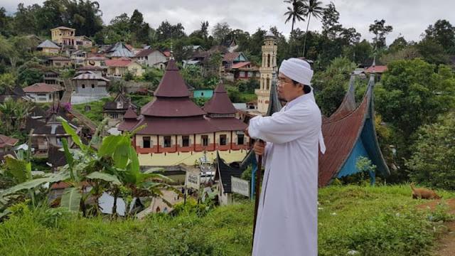 Catut Nama Ketua MUI Sumbar, Relawan Jokowi Minta Maaf