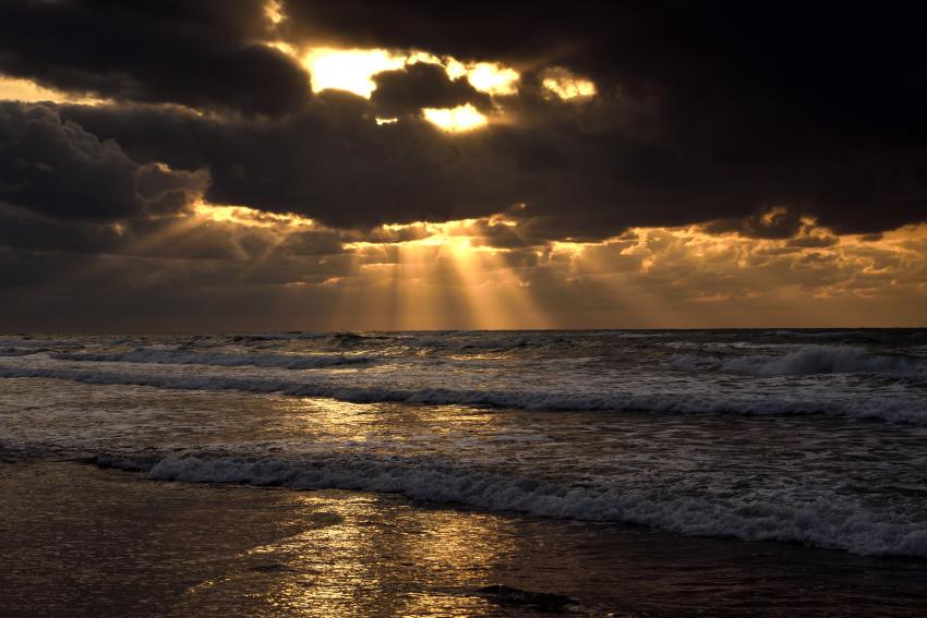 白尾海岸 薄明光線