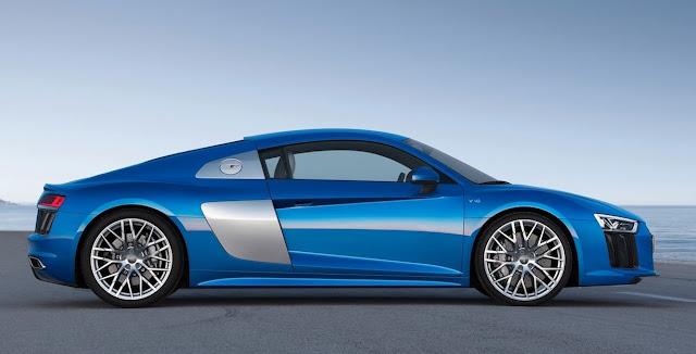 2017 Audi R8 V10 blue